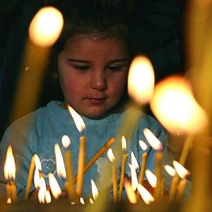 Защо се палят свещи?